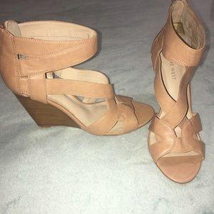 Size 8.5 Nine West Tan Open Toe Heel